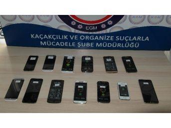 Elazığ'da Kaçak Sigara Ve Cep Telefon Operasyonu
