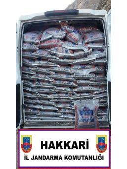 Çukurca'da 3 Ton 425 Kilo Çay Ile 3 Bin 100 Paket Kaçak Sigara Ele Geçirildi.