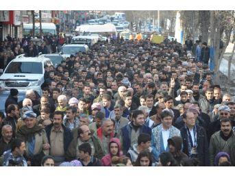 Yüksekova'da Iç Güvenlik Paketini Protesto Yürüyüşü