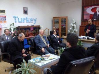 Kütahya İl Milli Eğitim Müdürlüğü Din Öğretimi Hizmetleri Şube Yöneticilerinden Gediz Halk Eğitim Merkezi'ne Nezaket Ziyareti