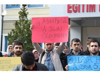 """Dikab Öğrencileri: """"28 Şubat Ürünü Değil, Mağduruyuz"""""""