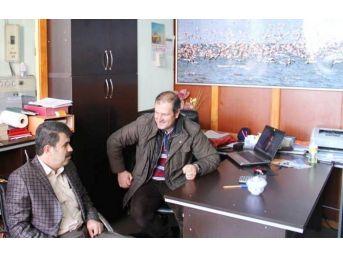 Ak Parti Van Milletvekili Aday Adayı İzzet Albayrak'tan Yerel Gazetelere Ziyaret