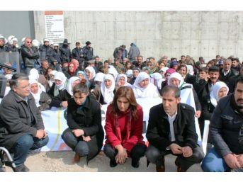 Cezaevlerinde Yaşanan Çocuk İstismarına Yönelik Van'da Yürüyüş Ve Basın Açıklaması Yapıldı