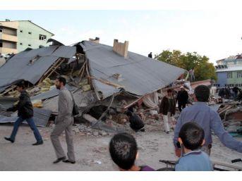 Deprem Soruşturmasında Eski Belediye Başkanı Ile Birlikte 13 Kişiye Dava