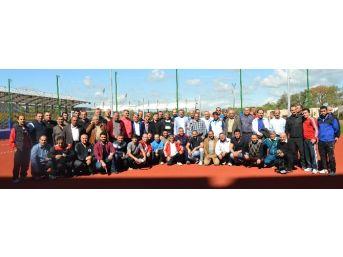 Antalya'da Boks Antrenörlerine Seminer