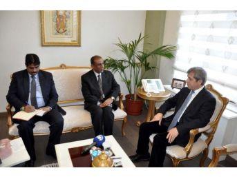 Hindistan Büyükelçisi Kulshreshth'den Çanakkale'de