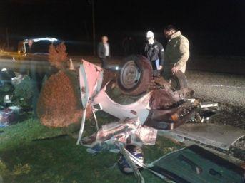 Denizli'de Trafik Kazası: 2 Ölü, 5 Yaralı