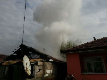 Düzce'nin Ağa Mahallesinde Yangın