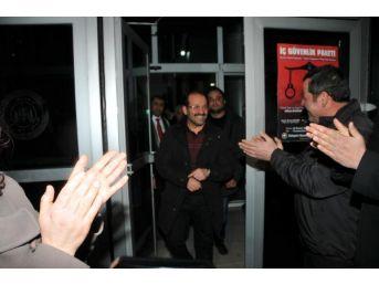 Eskişehir'de 'usulsüz Dinleme' Operasyonunda Gözaltına Alınan 20 Polis Adliyeye Sevk Edildi (2)