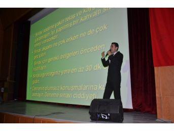 Yüksekova'da Öğrencilere Sınav Semineri