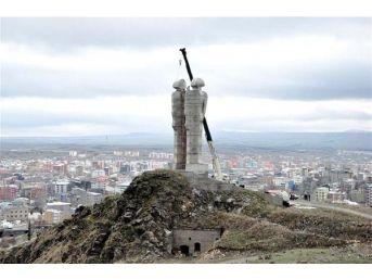 Erdoğan To Pay Sculptor Compensation Over