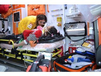 Kamyon İle Motosiklet Çarpıştı: 2 Ölü, 2 Yaralı