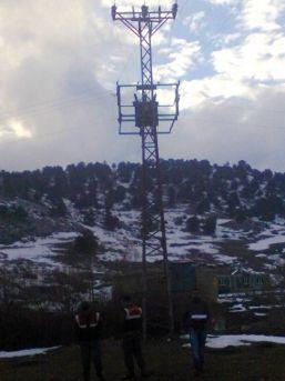 Trafolardaki Bakır Tel Çalındı, Mahalle Elektriksiz Kaldı