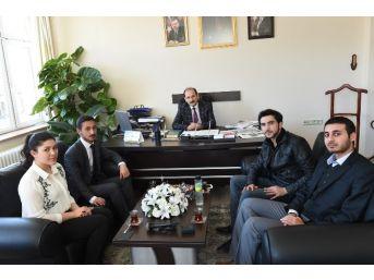 Azerbaycanlı Öğrencilerden Uşak Ziyareti