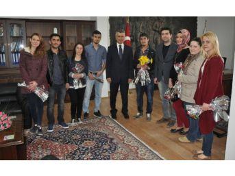 Sandıklı'da Üniversite Öğrencileri
