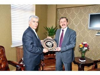 İran İslam Cumhuriyeti Erzurum Başkonsolosukasimi'den Rektör Çapoğlu'na Ziyaret