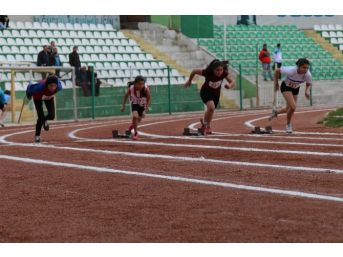 11 İlden 120 Sporcu Kırşehir'de Yarışıyor