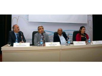 Selçuk'ta Mehmet Akif Paneli Ve Sergisi