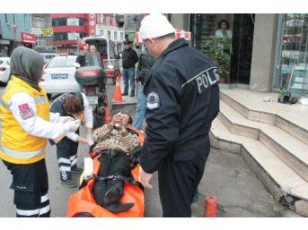 Alkol Alıp Sızınca Hastaneye Kaldırıldı