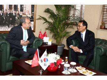 Güney Kore Cumhuriyeti Büyükelçisi Yunsoo Vali Büyük'ü Ziyaret Etti