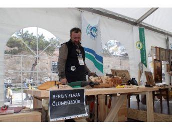 (özel Haber) Ahşap Ustası, Berkin Elvan'ın Ekmeğini Yaptı