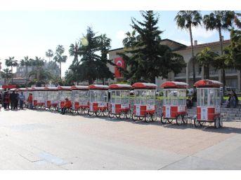 Mersin'de Engelliler Simit Arabasıyla İş Sahibi Oldu