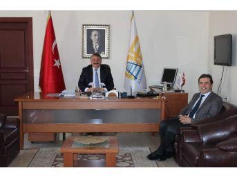 Arifiye'nin İlçe Emniyet Müdürü Başkan Karakullukçuyu Ziyaret Etti