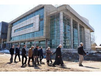 Eş Başkanlar Yeni Belediye Binası İnşaatını Gezdi