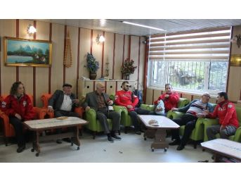 Akut Afyonkarahisar Ekibinden Huzur Evi Ziyareti