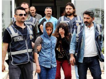 Antalya'da Ev Kiralayıp Hırsızlık Yapan 3 Kadın Yakalandı