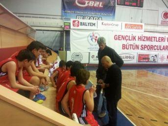 Ayvalık'ta Basketbolda Tarihi Başarı