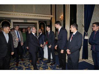Bursa Valisi, İş Adamları Ve Gençlerle Buluştu