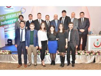 Esogü Tıp Fakültesi Öğrencileri Sağlık Bakanı Dr. Mehmet Müezzinoğlu İle Buluştu