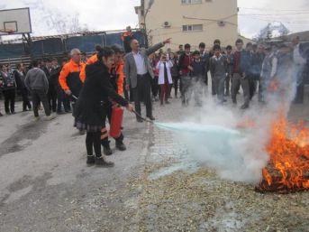 Hakkari'de Okulda Deprem Ve Yangın Tatbikatı