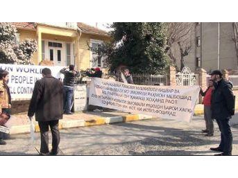 Tacikistan Başkonsolosluğu Önünde Kuvatov Protestosu