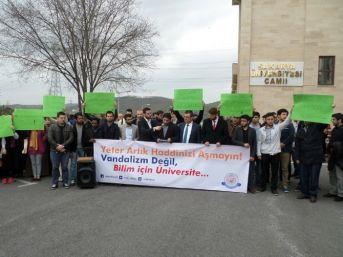 Odtü'de Karşıt Görüşlü Öğrencilerin Kavgası Saü'de Protesto Edildi