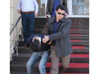 Sakarya'da 3 Ayrı Eve Giren Hırsız İstanbul'da Yakalandı