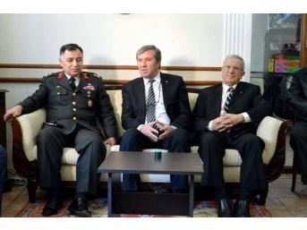 Garnizon Komutanı Kahveci'den Emşav'a Ziyaret