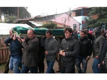 Otomobille Traktör Çarpıştı: 2 Ölü, 5 Yaralı (2)