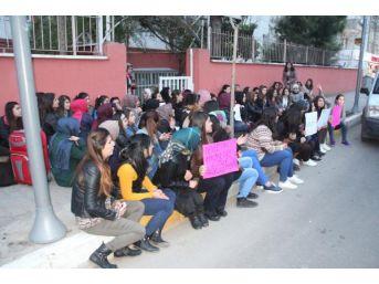 Şanlıurfa'Da Kız Öğrencilerinden Yurt Protestosu