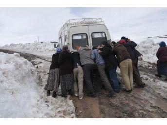 Yolu Yapılmayan Köylüler Sandığa Gitmeyecek