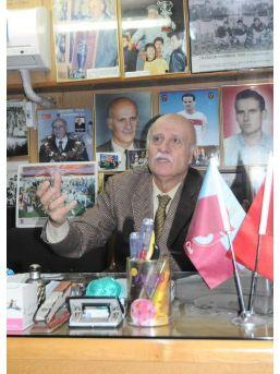 Ünlü Spor Adamı Ahmet Suat Özyazıcı Hastaneye Kaldırıldı