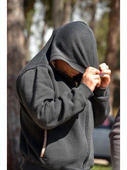 Manken Fotoğraflarıyla Kandırdığı Erkeklerle Fuhuş Yaparken Yakalandı