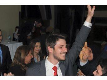 Ak Parti'nin Yeni Gençlik Kolları Başkanı Mefail Ceylan