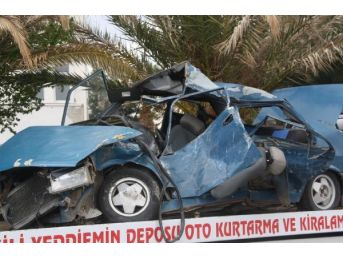 Otomobil Virajda Kamyona Çarptı: 2 Ölü 4 Yaralı