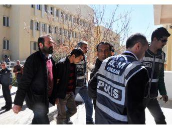 Baba- Oğul, Uyuşturucu Ticareti Iddiasıyla Gözaltına Alındı