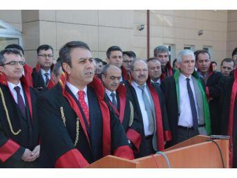 Manisalı Hakim Ve Savcılardan Savcı Kiraz Cinayetine Kınama...