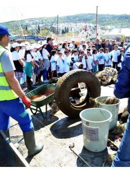 Denizden Çıkan Çöplerin Başında Çevre Eğitimi
