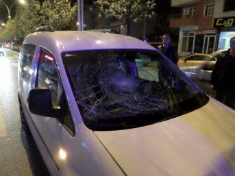 Aniden Yola Çıkan Yayaya Otomobil Çarptı