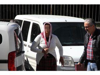 Polisten Fuhuş İçin Otostop Çeken Kadınlara Gözaltı